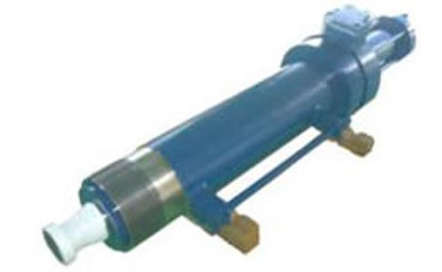 プレス用ブースト油圧シリンダー