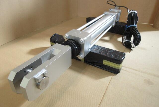 架台移動用油圧シリンダー