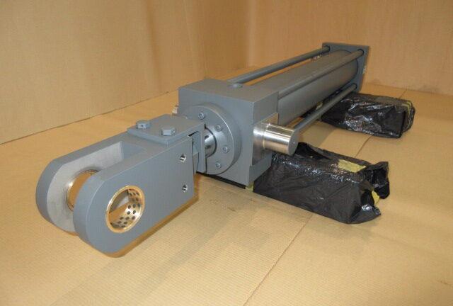 製鉄所向け油圧シリンダー