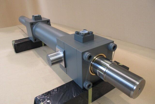 エッジヒーター用油圧シリンダー